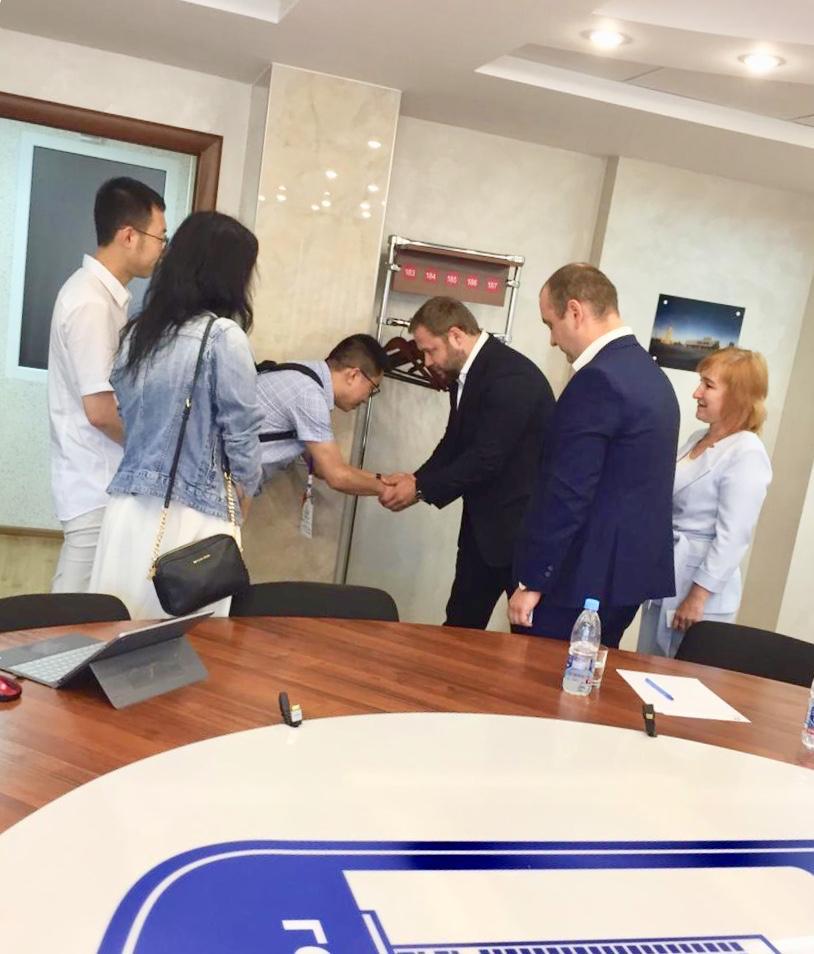 Встреча руководства регионального отделения РЭО с представителями китайской делегации в рамках молодежного конвента лидерских компетенций в Ульяновске