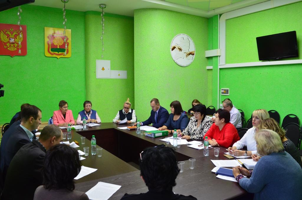 В Общественной палате Липецкой области обсудили создание зеленого пояса вокруг города Липецка