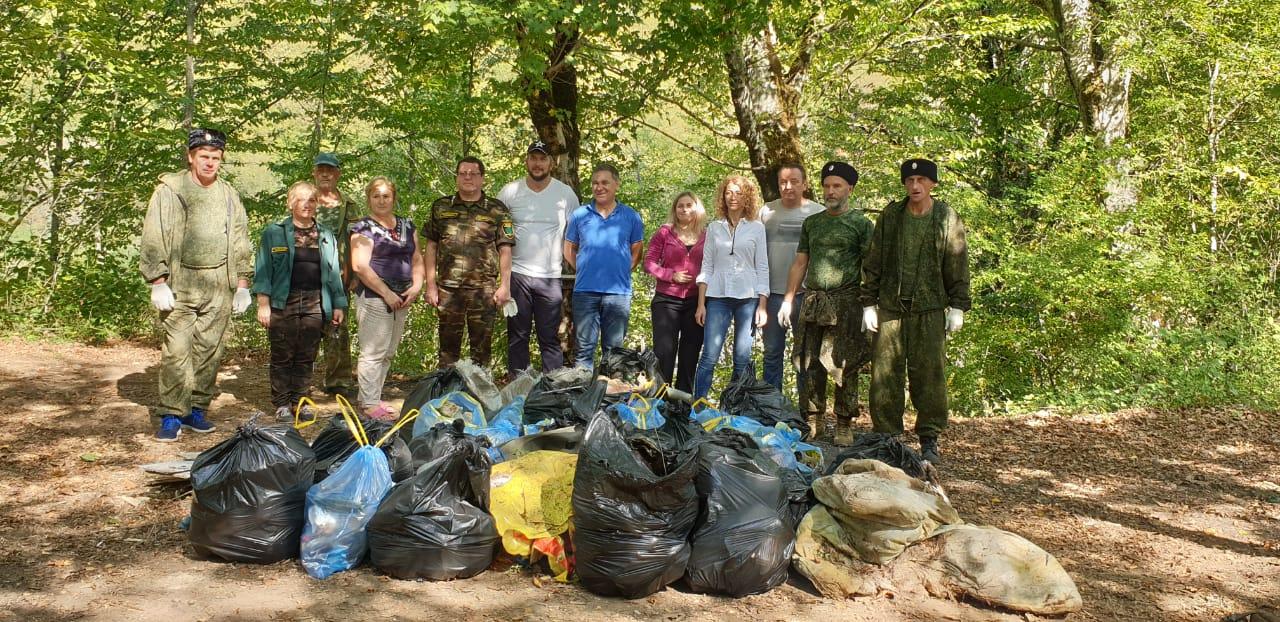 ООПТ «Анастасиевские поляны» очистили от мусора