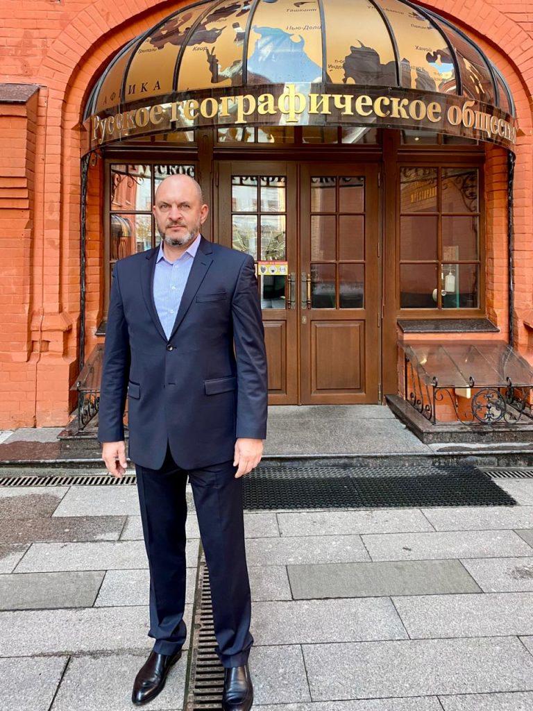Юрий Бажуткин, руководитель Саратовского отделения Российского экологического общества принял участие в Географическом диктанте