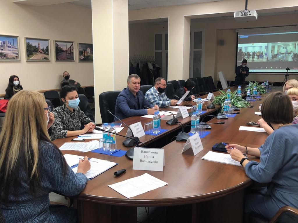 В Самарской области прошел круглый стол «Раздельное накопление ТКО»