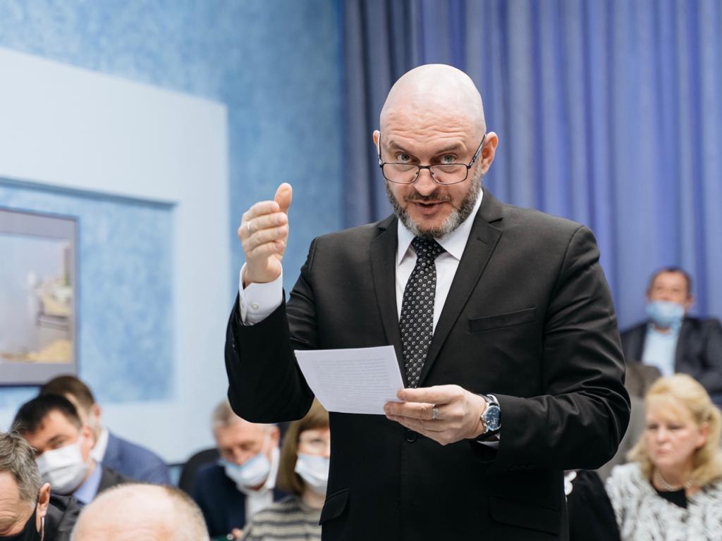 Руководитель Саратовского отделения Российского экологического общества Юрий Бажуткин представил природоохранную акцию «Рециклинг автошин»