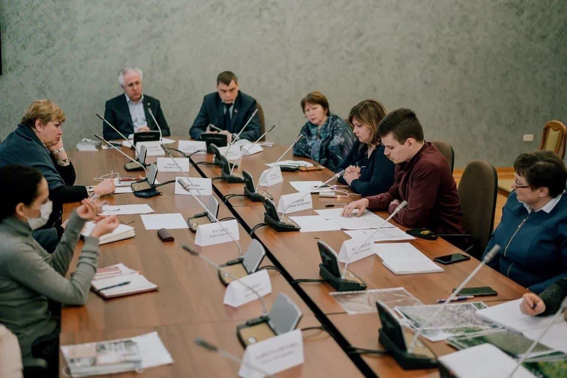 В Законодательном Собрании обсудили развитие экологической культуры в Челябинской области