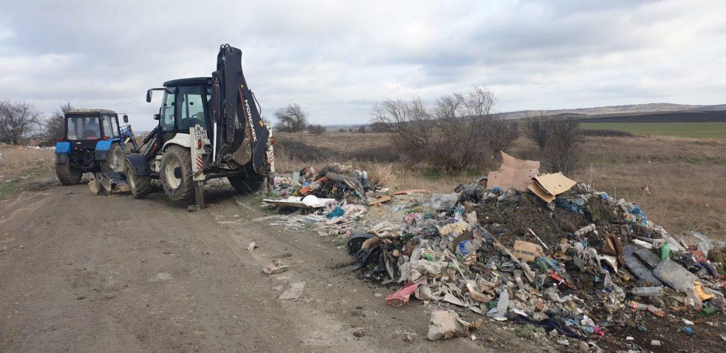 По инициативе Кубанского отделения Российского экологического общества в Анапе проведен экосубботник