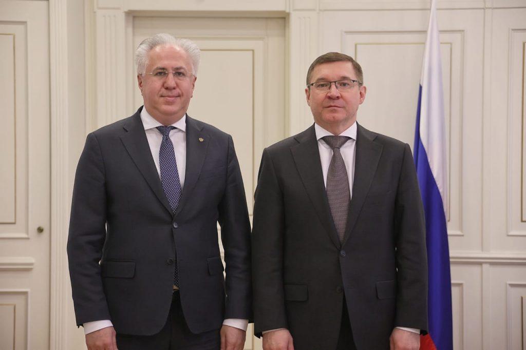Владимир Якушев провел рабочую встречу с председателем Российского экологического общества Рашидом Исмаиловым