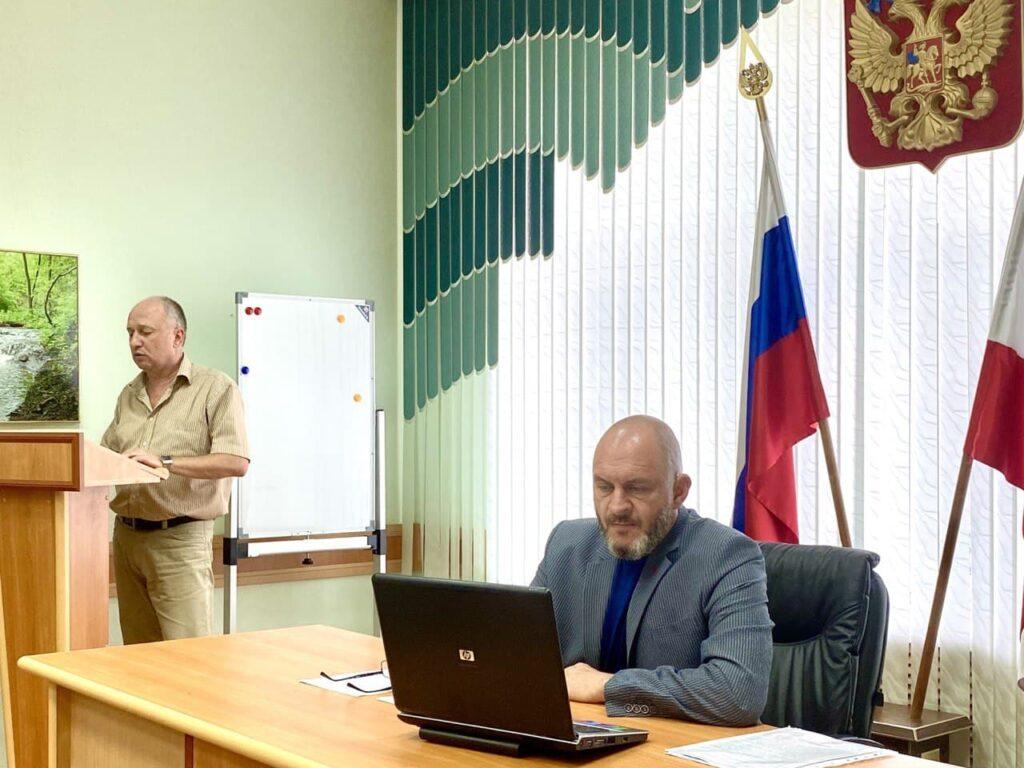 Юрий Бажуткин провел заседание Общественного совета Минприроды Саратовской области