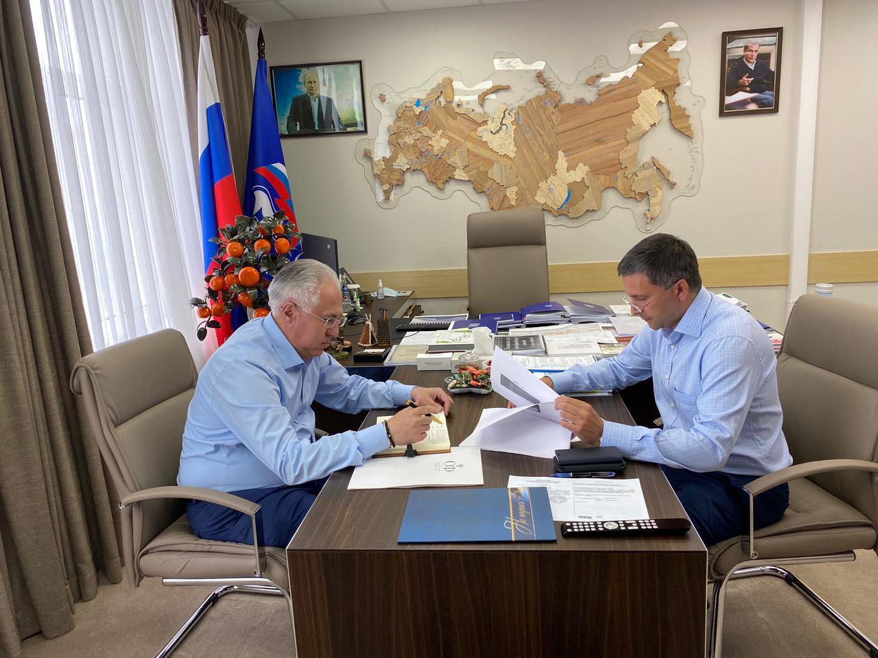 Рашид Исмаилов и Дмитрий Кобылкин обсудили совместную повестку