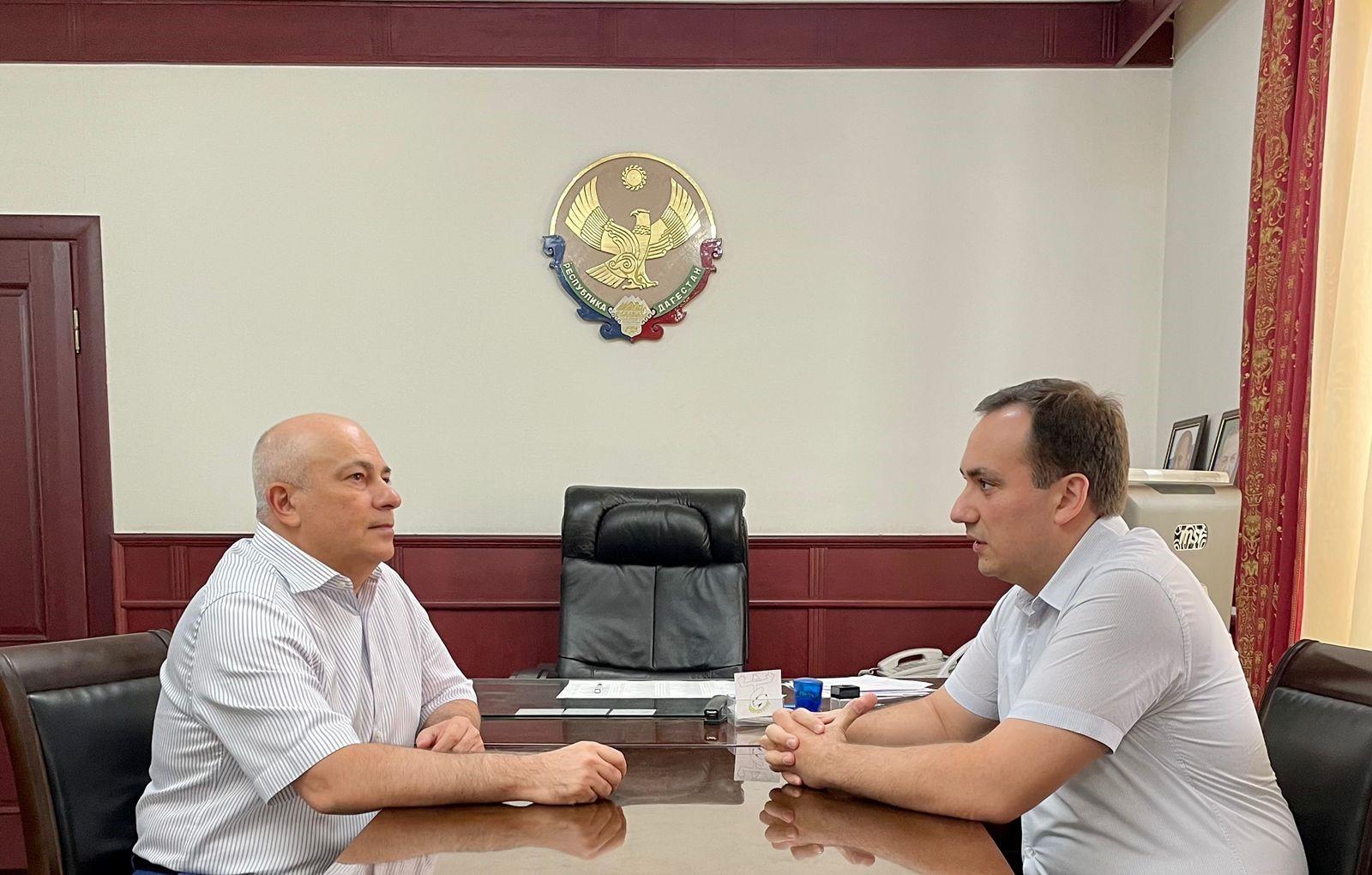 Глава отделения Российского экологического общества Осман Булатов провел встречу с Министром природных ресурсов и экологии Дагестана